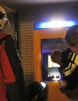 30 december Politie blust brandende brommer Willensplein Gouda