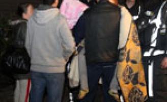 Mensen gered bij grote brand in flat Dirk de Derdelaan Vlaardingen
