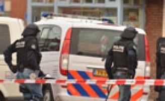 Onrust in buurt tijdens inval arrestatieteam Hildebrandstraat Den Haag