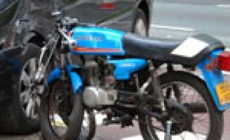 Bromfietser gewond na aanrijding met auto N44 Wassenaar