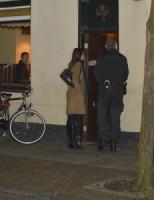 Inval in café in Leiden