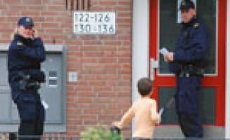 Man in woning door misdrijf om het leven gebracht Falckstraat Den Haag