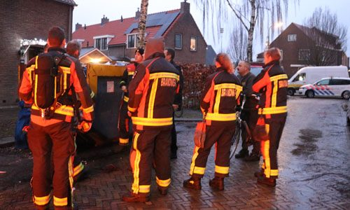 """<h2><a href=""""http://district8.net/14-december-brandweer-rukt-uit-voor-mogelijke-gaslekkage-zwarteweg-haastrecht.html"""">14 december Brandweer rukt uit voor mogelijke gaslekkage Zwarteweg Haastrecht<a href='http://district8.net/14-december-brandweer-rukt-uit-voor-mogelijke-gaslekkage-zwarteweg-haastrecht.html#comments' class='comments-small'>(0)</a></a></h2>  Haastrecht - Rond 8 uur vanochtend werd de brandweer gealarmeerd voor een mogelijke gasontsnapping aan de Zwarteweg in Haastrecht. Ter plaatse heeft de brandweer, met niet veel later ook Stedin,"""
