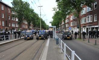 Twintig aanhoudingen na ME-inzet Jonckbloetplein Den Haag (Foto-update)