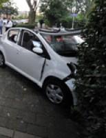 Bejaarde vrouw verliest macht over auto  in Leidschendam