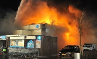 Zeer grote brand Albert Heijn Kwintsheul