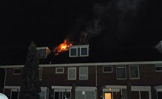 Uitslaande brand na blikseminslag Ferdinand Bollaan Voorschoten