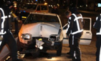 Zwaargewond na botsing met verkeerslicht Westzeedijk Rotterdam