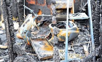 Bewoner zwaargewond bij brand in schuur