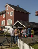 9 maart Kat zoekt zonnig plekje in dakgoot Schiedam