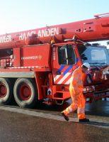 23 november Brandweer rukt uit voor voertuig te water Dr. Lelykade Den Haag