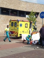 Scooterrijder gewond na aanrijding met auto Ruys de Beerenbrouckstraat Delft