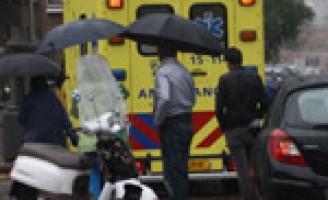 Scooterrijder gewond na aanrijding met personenauto Boeroestraat Delft