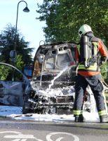 13 juni Auto volledig uitgebrand Joubertstraat Gouda