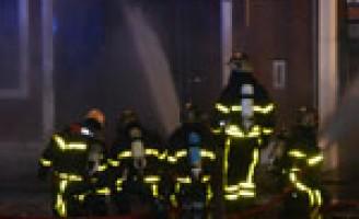 Zeer grote brand in duivenwinkel Dr. Lelykade (video update)