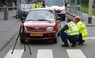 Zwaargewonde bij ernstige aanrijding Dierenselaan Den Haag (Foto-update)