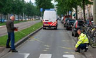 Motor onderuit; bestuurder levensgevaarlijk gewond Prinsegracht Den Haag