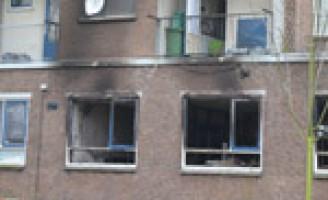 Woningen ontruimd na explosie en brand in supermarkt