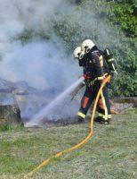 17 juni Veel rookontwikkeling bij buitenbrand Wilhelminakade Waddinxveen