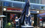 17 februari Flinke schade na brand in viszaak Simonis aan de Gedempte Gracht in Den Haag
