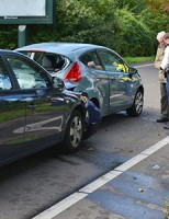 Kop-straat aanrijding tussen vier personenauto's Australiëweg