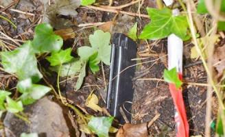 Politie vindt pistool in bossage Zuidweg Zoetermeer
