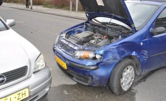 Flinke schade na aanrijding Nieuwenoord IJsselmonde