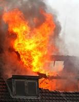 Dode bij grote uitslaande brand in woning de Geervlietsestraat