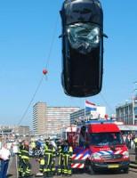 Auto te water Dr. Lelykade Den Haag