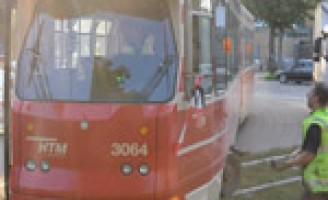 Tram ontspoord Delftselaan