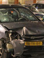 7 januari Auto rijdt door na ongeval met verkeerspaal Vailiantplein Den Haag