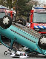 30 maart Auto beland op zijn dak bij aanrijding Dr. H.J. van Mooklaan Rijswijk [VIDEO]