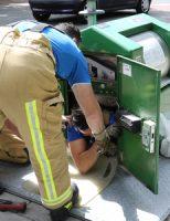 19 augustus Opnieuw brandweerman in container na melding Ds Heldringlaan Rijswijk