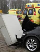 Twee gewonden bij flinke aanrijding Aveling Hoogvliet