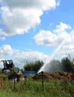 8 augustus Jeugdbrandweerwagen wordt ingezet voor waterwinning hooibrand