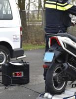 13 april Politie voert scooter controle uit op verschillende plekken in Leiden