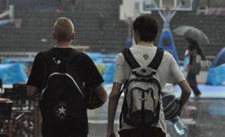 27 juli Basketball toernooi tijdelijk gestaakt wegens code oranje
