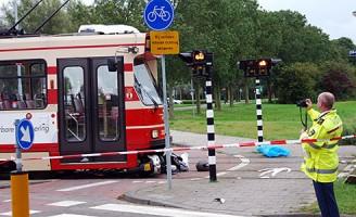 Scooterrijder overleden na aanrijding met tram Eikelenburglaan