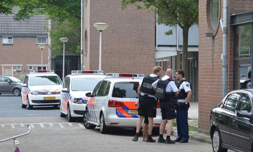27 juli Politie valt woning binnen na melding mogelijk