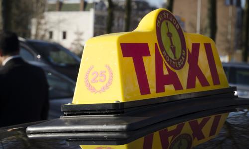 Boze taxichauffeurs eisen verbod op Uper-Pop124