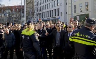 [VIDEO] 18 februari Demonstratie taxichauffeurs tegen Uberpop Den Haag