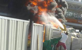 6 juni Meters hoge vlammen en flinke rookwolken buitenbrand Scheveningen