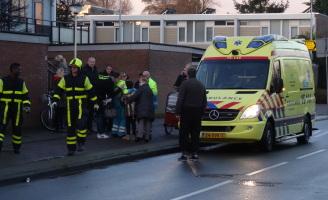 9 december 2 kinderen en baby licht gewond na val van fiets Zoetermeer