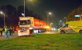 14 november Gewonde nadat auto in aanrijding komt met vrachtwagen Poeldijkseweg Den Haag