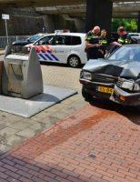 15 juni bestuurster rijdt tegen gebouw na uitrijden parkeervak Zoetermeer