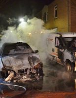 21 maart Twee auto's zwaar beschadigd bij brand Saturnusgeel Zoetermeer