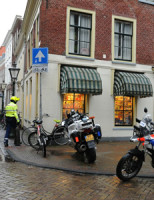 15 januari Overval winkel Nieuwsteeg, politie zoekt getuigen Leiden