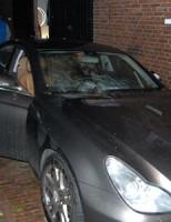 3 november Vandalen gooien vuurwerk op Auto