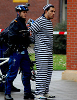 6 november Politie toont demonstratie straatroof Willem Ruyslaan Rotterdam