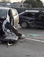 17 december Vier auto's flink beschadigd na ongeval Boskoopseweg Alphen aan den Rijn